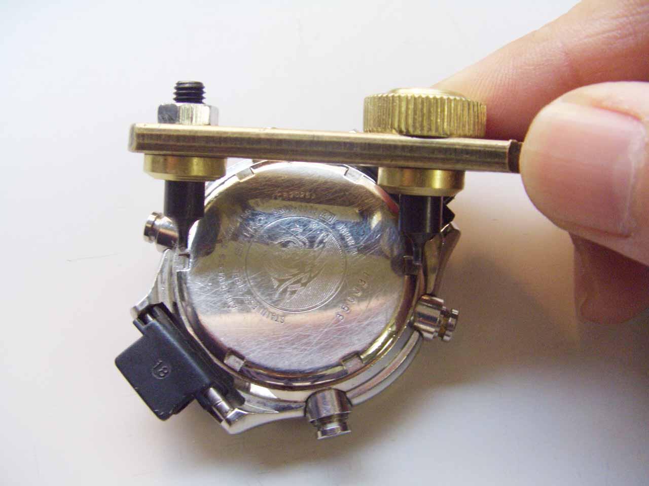 時計の電池交換は自分でできるの?必要な工具やや …